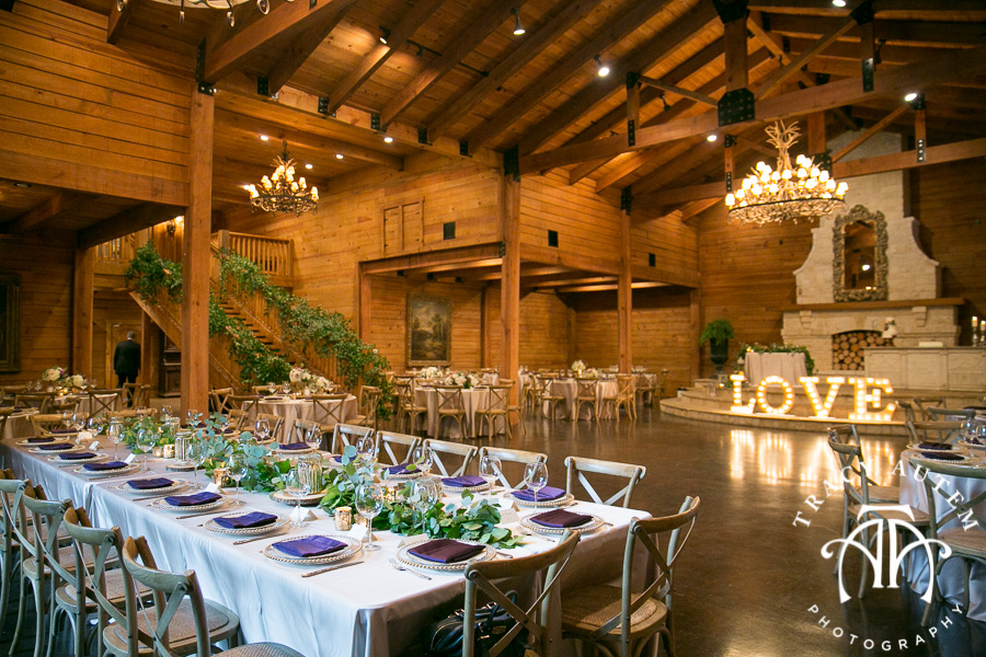 laura-and-david-wedding-details-classic-oaks-venue-wedding-reception-ideas-purple-tcu-flowers-justines-love-sign-rustic-tracy-autem-photography-0032