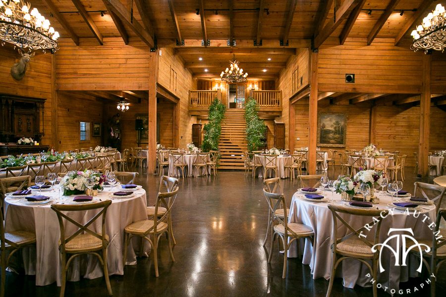 laura-and-david-wedding-details-classic-oaks-venue-wedding-reception-ideas-purple-tcu-flowers-justines-love-sign-rustic-tracy-autem-photography-0033