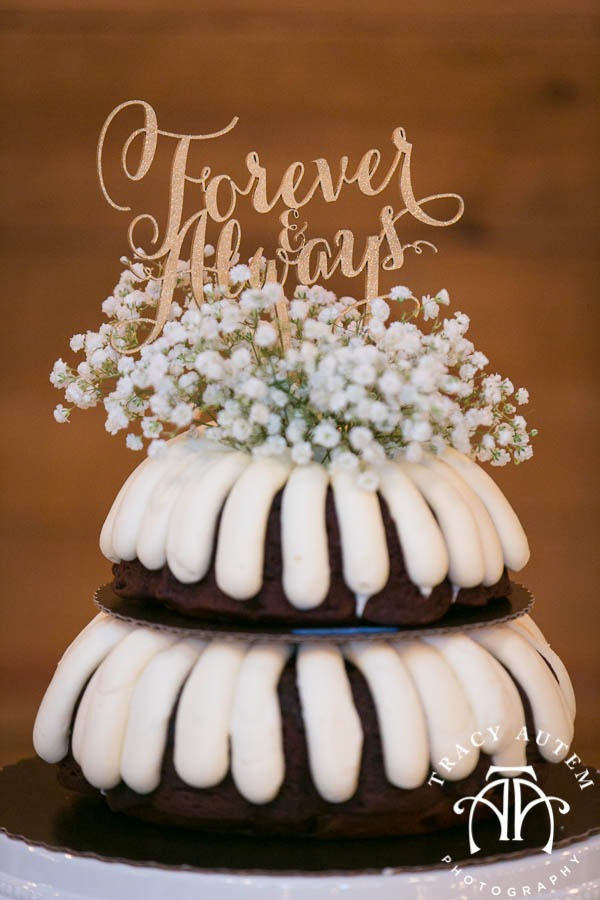 Judge Wedding Details Blog Classic Oaks Ranch Outside nature May I Serve You Mockingbird Bridal DiFiori Nothing Bundt Cakes -18