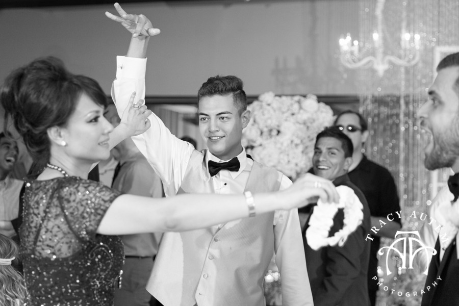 Robert Carr TCU Thanh Thanh Wedding ceremony reception fort worth vietnemese tracy autem photography-109