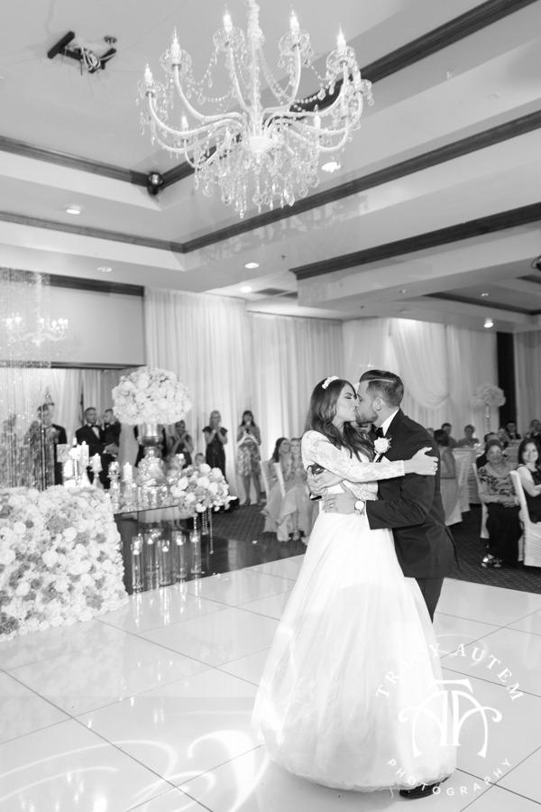 Robert Carr TCU Thanh Thanh Wedding ceremony reception fort worth vietnemese tracy autem photography-86