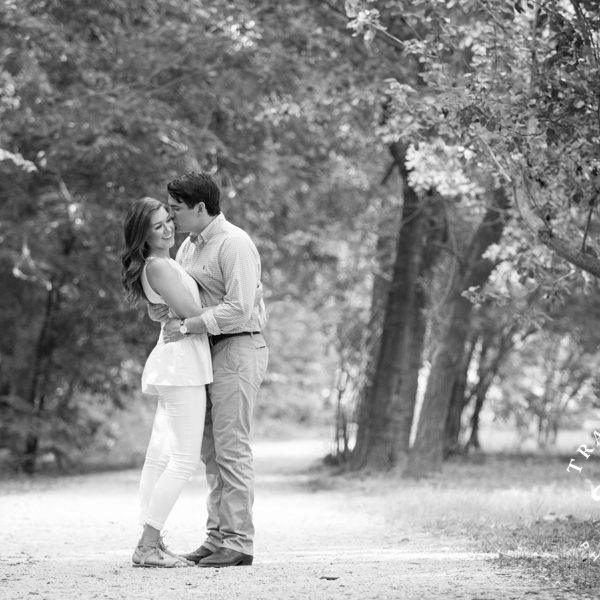 Leigh & Evan - Engagement Portraits at Botanical Gardens