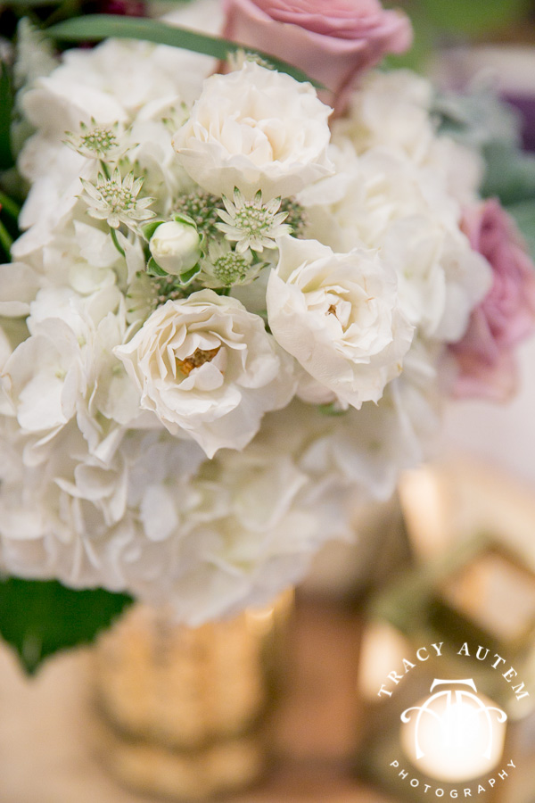 laura-and-david-wedding-details-classic-oaks-venue-wedding-reception-ideas-purple-tcu-flowers-justines-love-sign-rustic-tracy-autem-photography-0043
