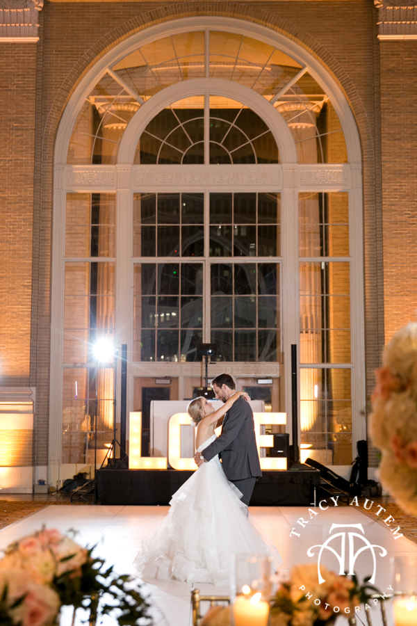 Amy Bryce S Wedding Reception At Union Station Was Stunning With A Color Palette Of Light Blush Pinks Whites Creams Golds And Pops Rich Blues